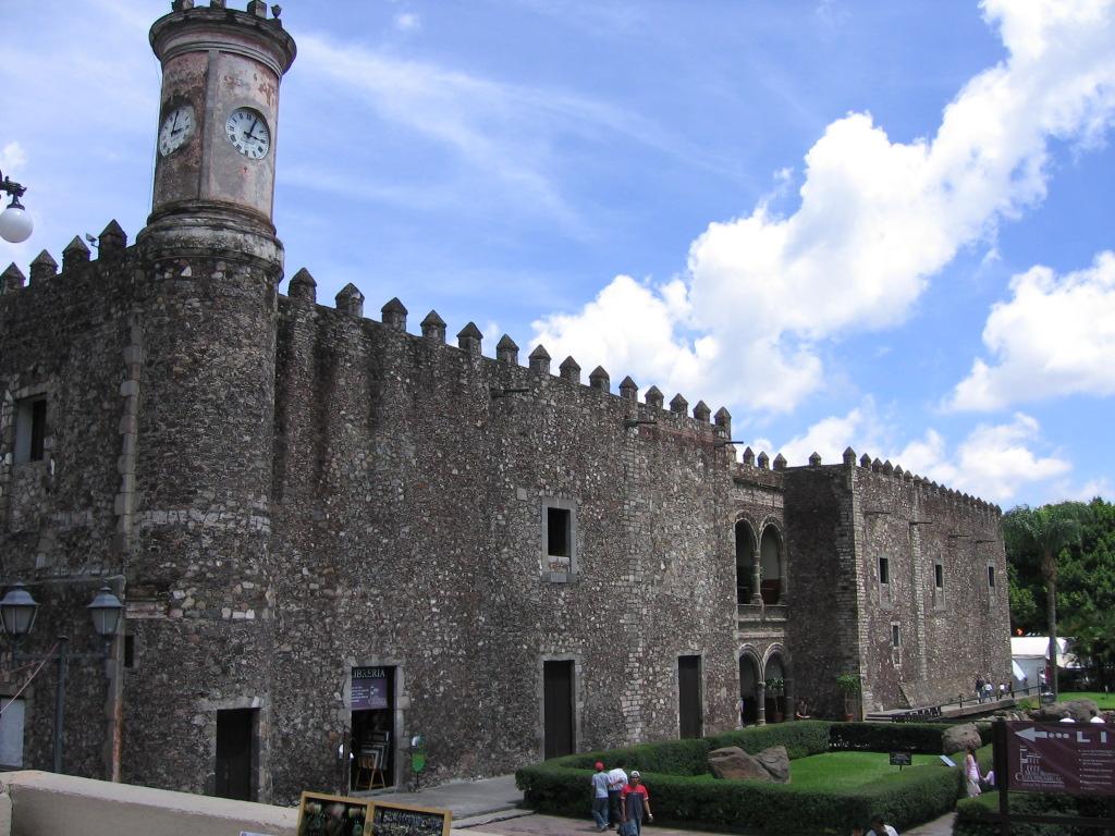 Cuernavaca Cortez castle day shot